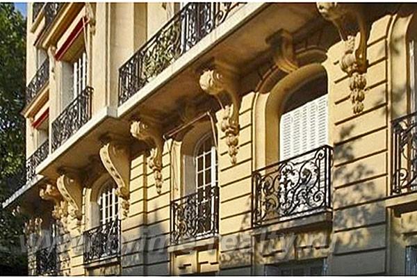 Здание в Париже недалеко от авеню Фош