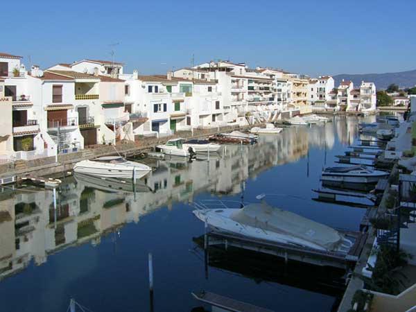 Недвижимость на канале испания