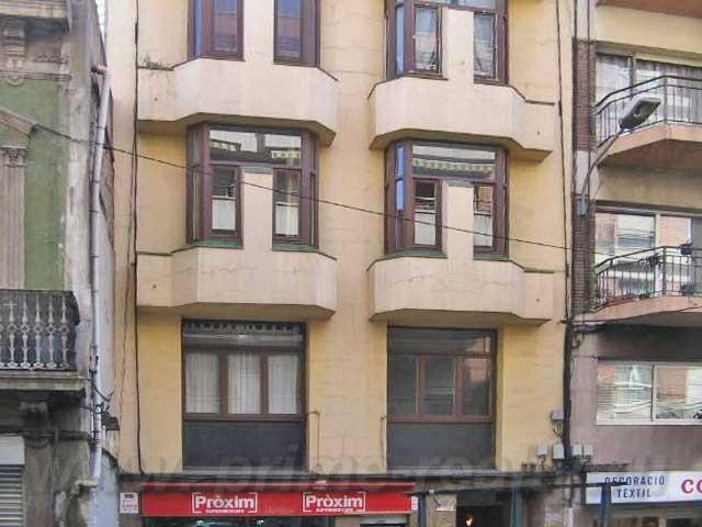 Четырехкомнатная квартира в в центре Барселоны, в районе Ла Бордета